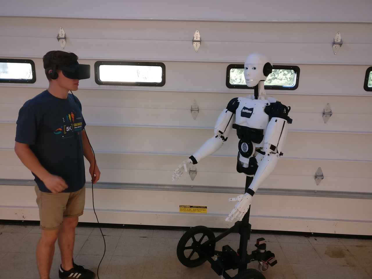 Robotics with Virtual Reality Integration