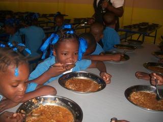 Les enfants qui mangent la soupe 1.jpeg