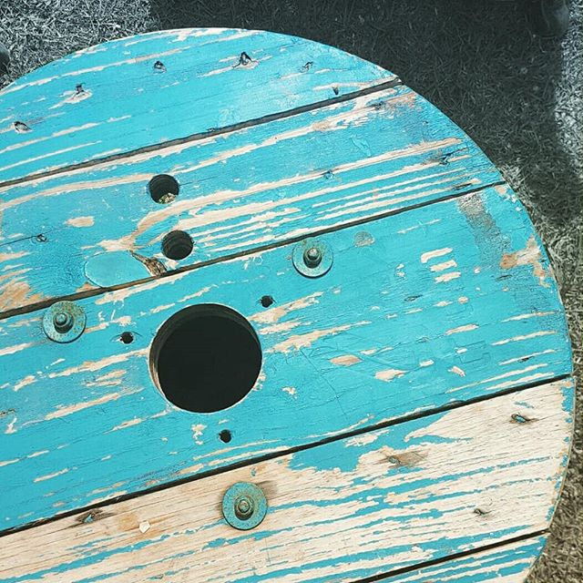 ⭕ #cable #wheel #blue #recycle #reuse #upcycle #weekend #wood #paint #project