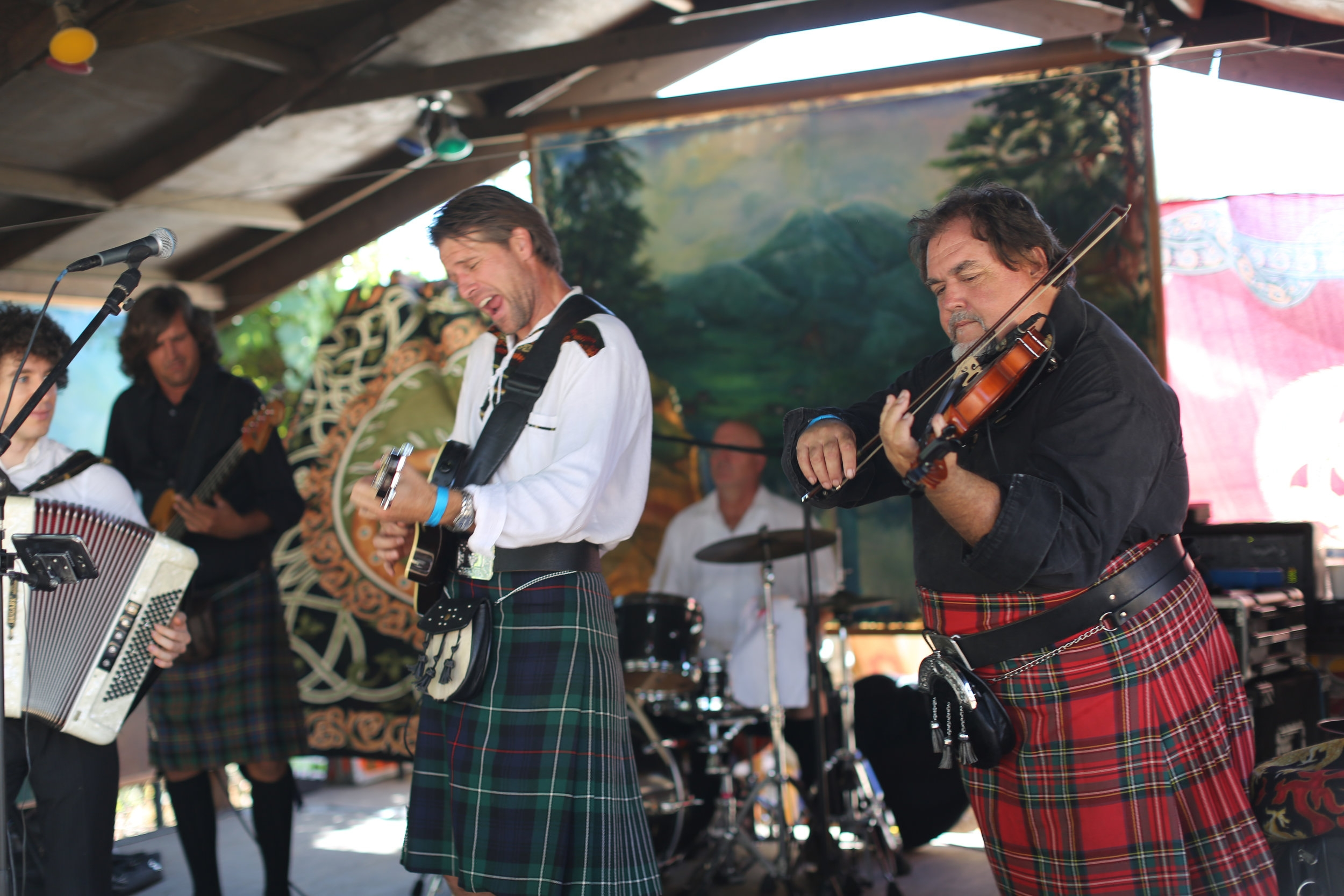 ENTERTAINMENT & COMPETITIONS - Our two stages feature some of the areas best Celtic Folk & Rock groups, and other entertainers. Be part of the show and make Viking Festival history by participating in one of our signature competitions!