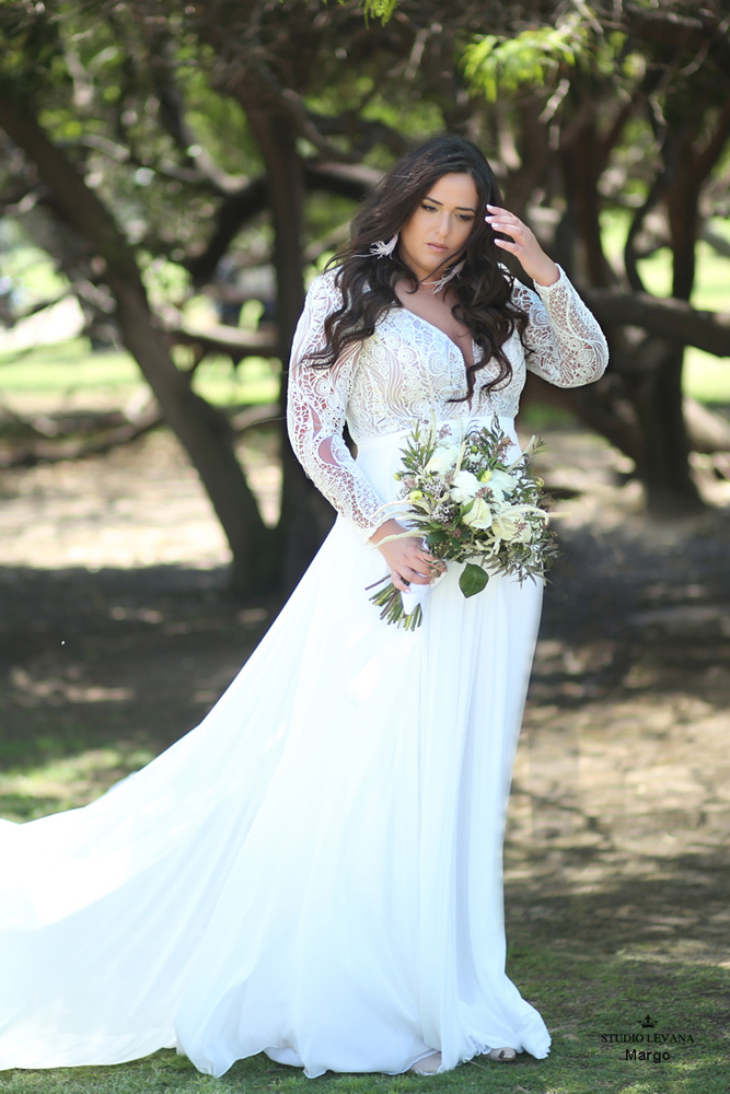 Plus_size_boho_wedding_dress_Margo-(1).jpg