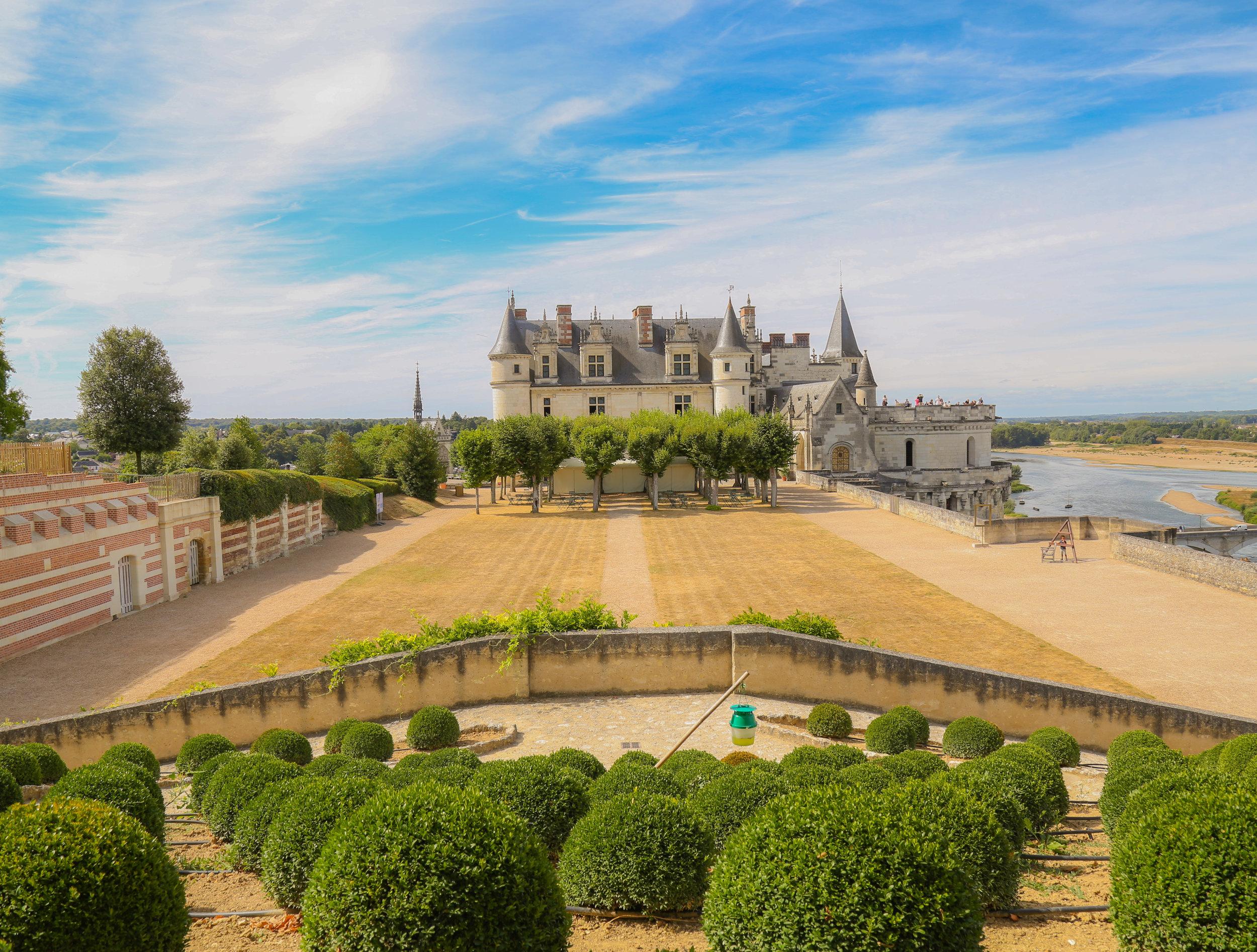 Chateau_Amboise_Side.jpg