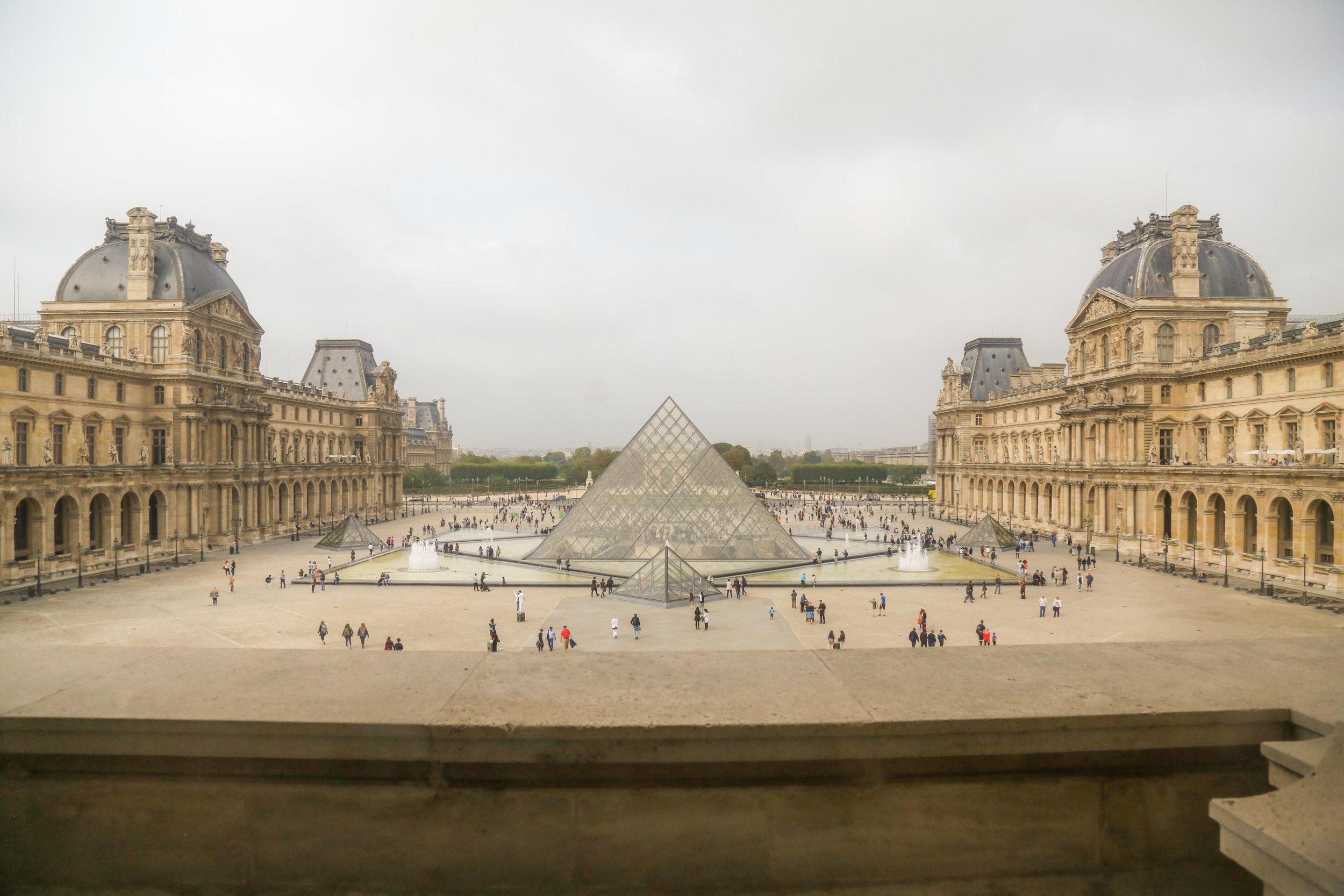 Reverse_Louvre_View.jpg