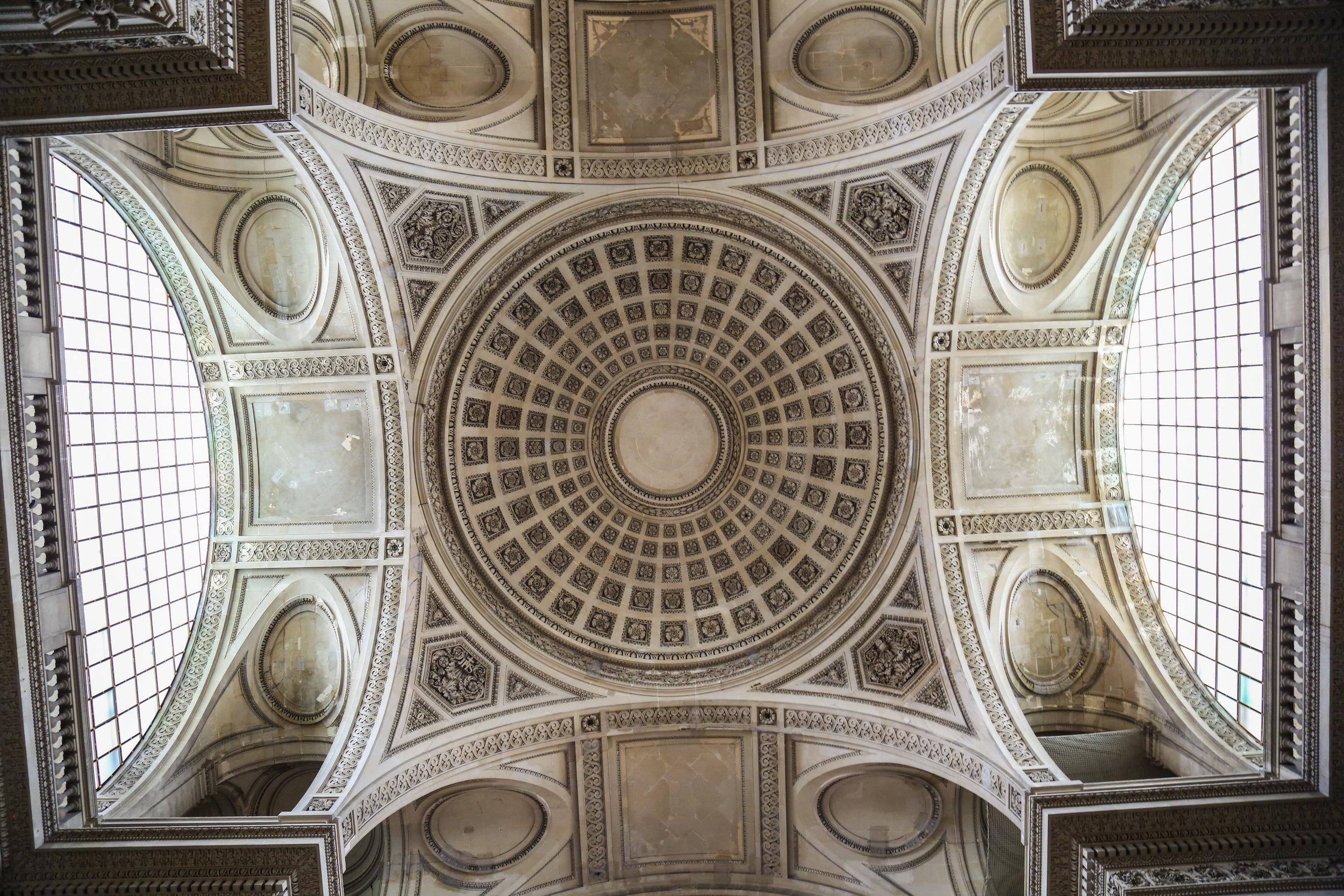 Pantheon_Looking_Up.jpg