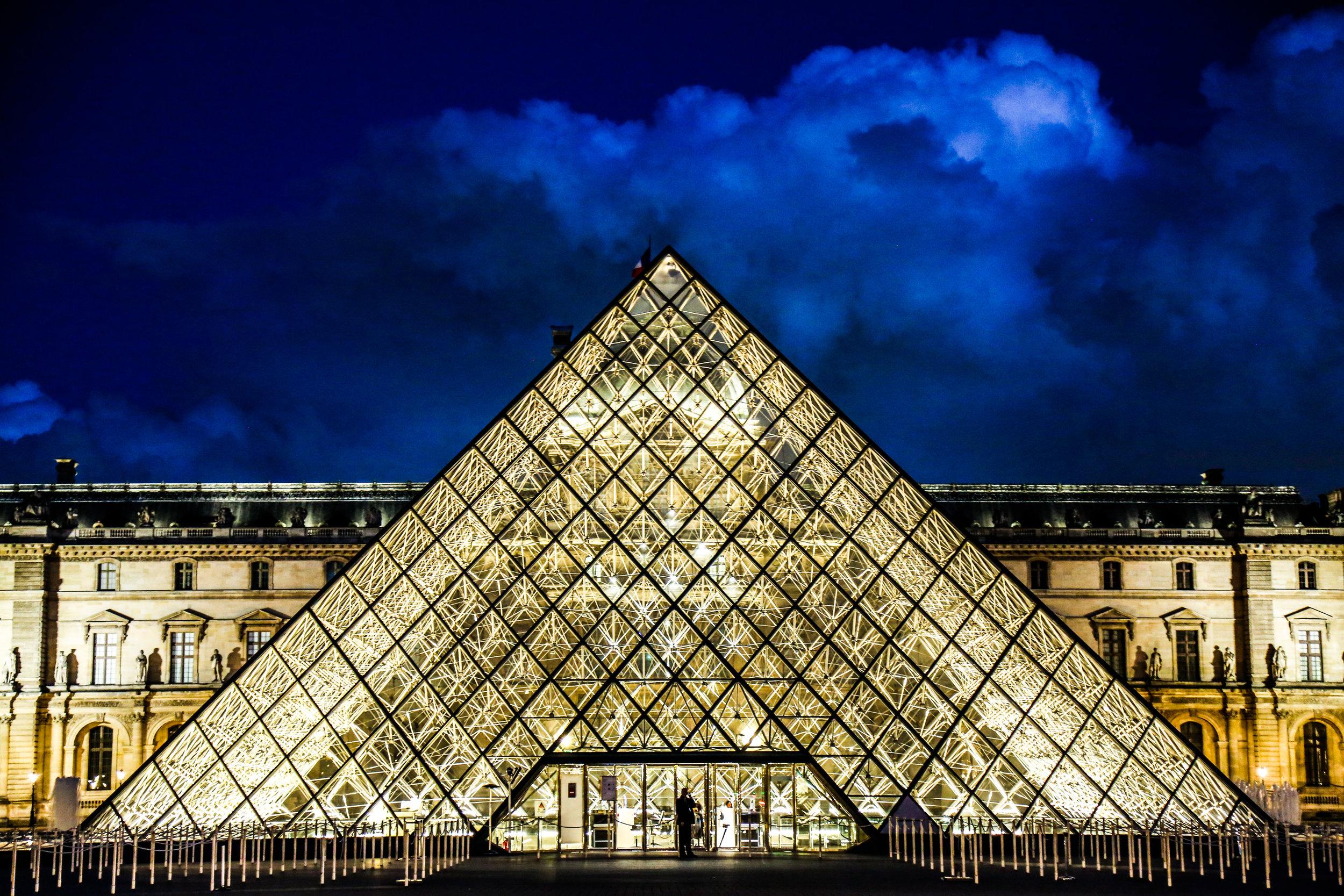CloseUp_Louvre.jpg