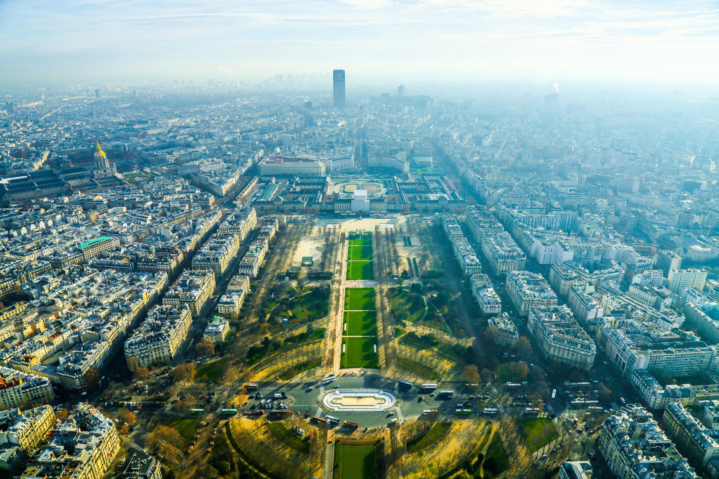 Top_Of_Eiffel_Tower1.jpg