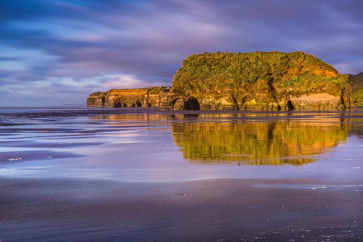 amalia-bastos-photography-photographer-travel-tourism-landscape-sunset-tongaporutu-beach.jpg