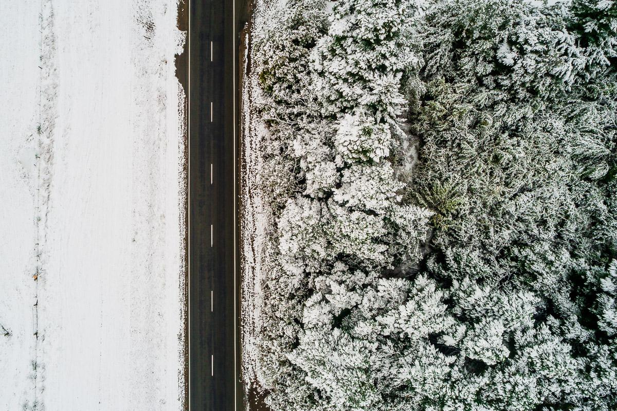 road-snow-snowing-dji-lake-tekapo-mount-cook-roadtrip-travel-autumn-cold.jpg