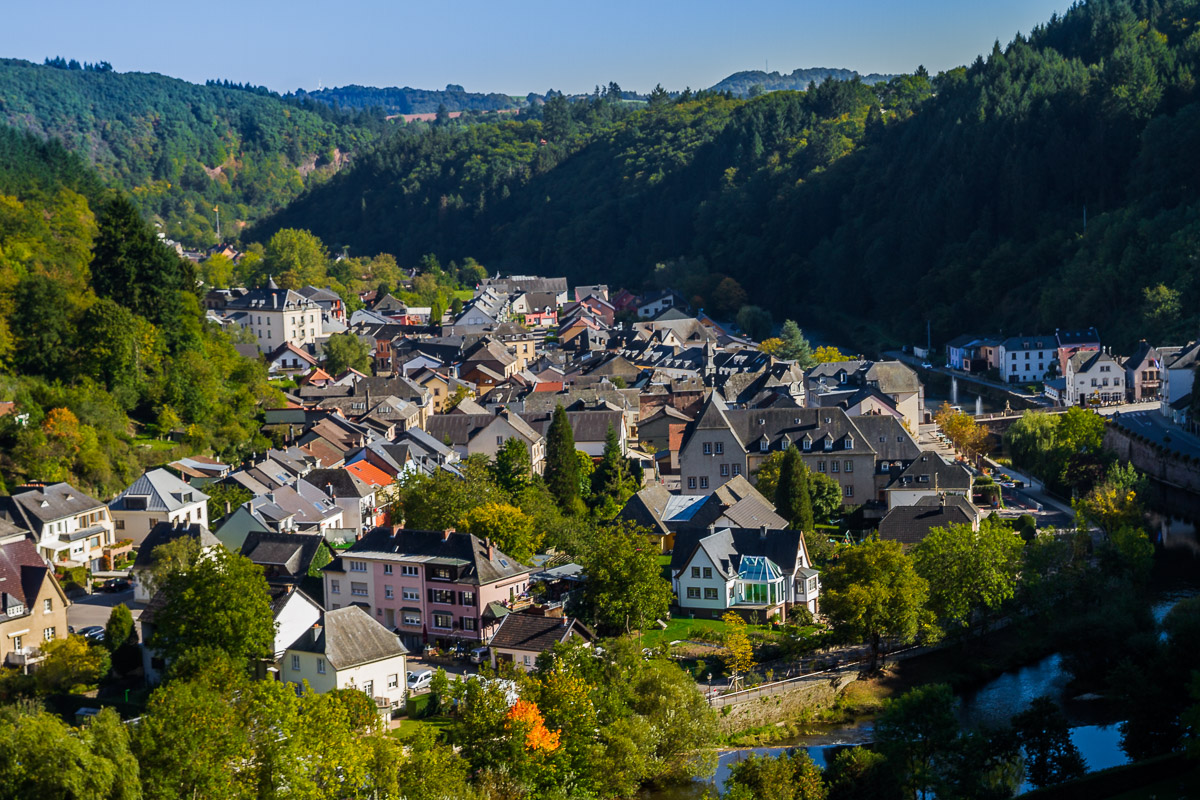 town-vianden-city-luxembourg-houses-travel-europe-EU-river-travel-photography.jpg