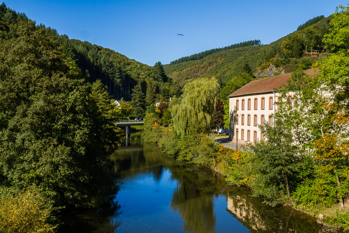 vianden-luxembourg-river-view-europe-travel-tourism-roadtrip-photographer.jpg