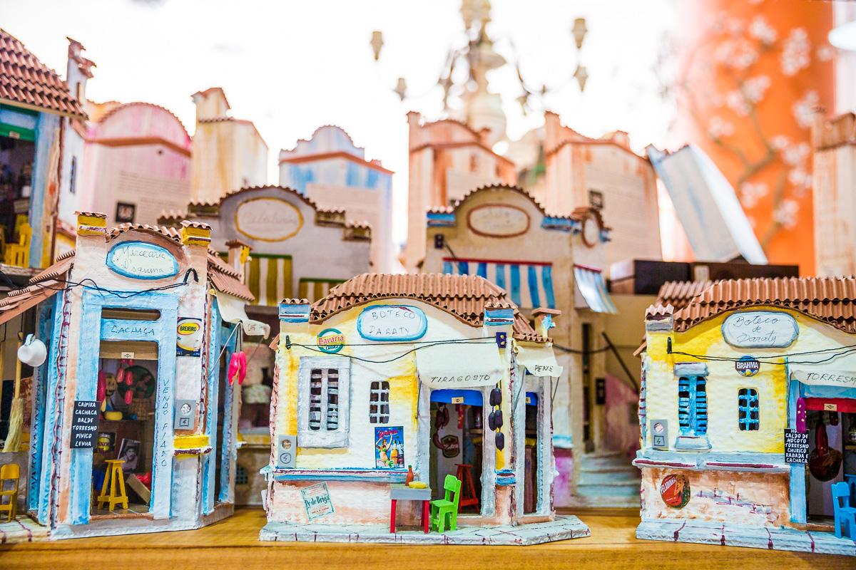 local-artesal-craft-brasil-brazil-paraty-houses-souvenir-rio-de-janeiro-travel-weekend-away-trip-photographer.jpg