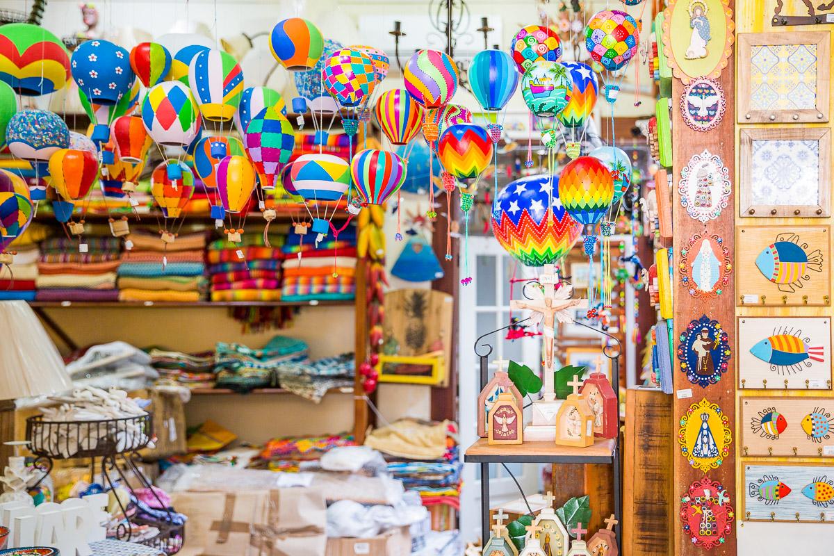 travel-brasil-brazil-crafts-sourvenir-paraty-rio-de-janeiro-weekend-colour-shop-traditional.jpg