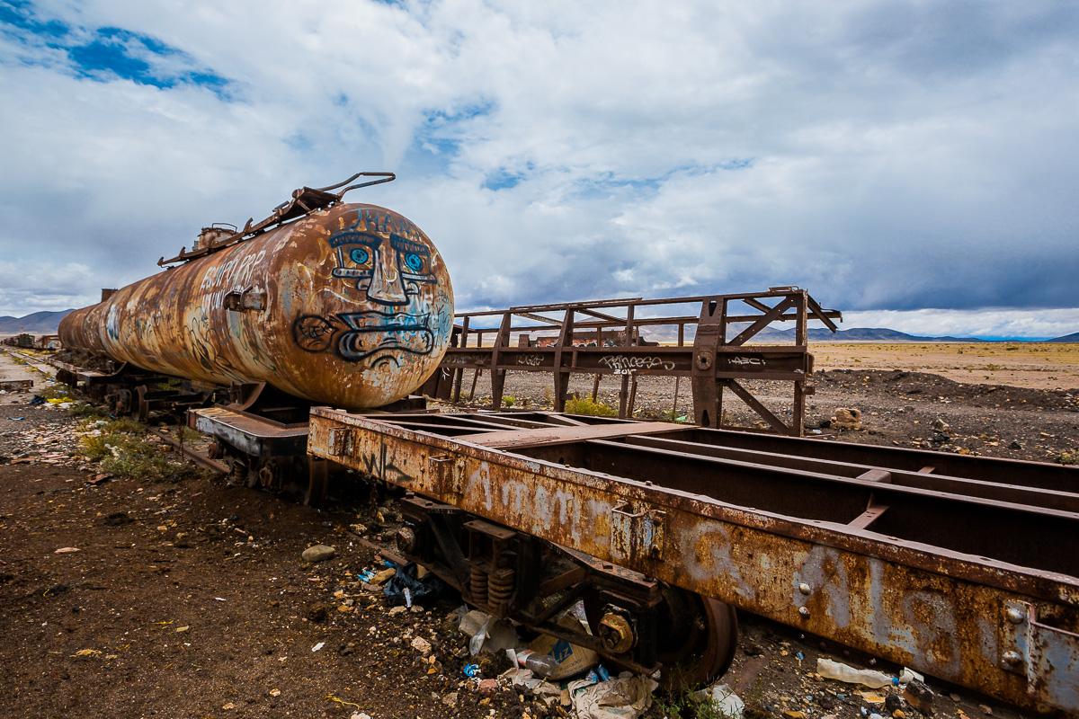 cementerio-trenes-cemeterio-trens-uyuni-bolivia-train-graveyard-cemetery-photography-angle-inspiration.jpg