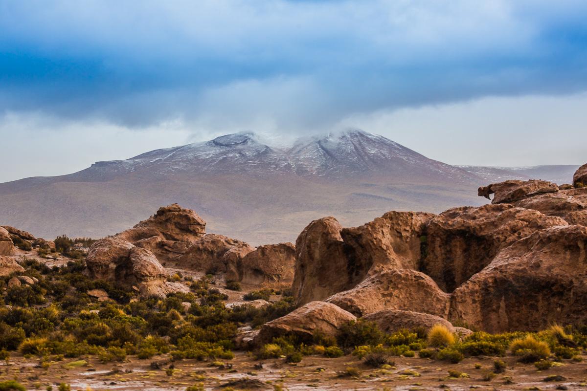 valle-de-las-rocas-travessia-uyuni-bolivia-siloli-desert-travel-photography-rock-valley-stone-path.jpg