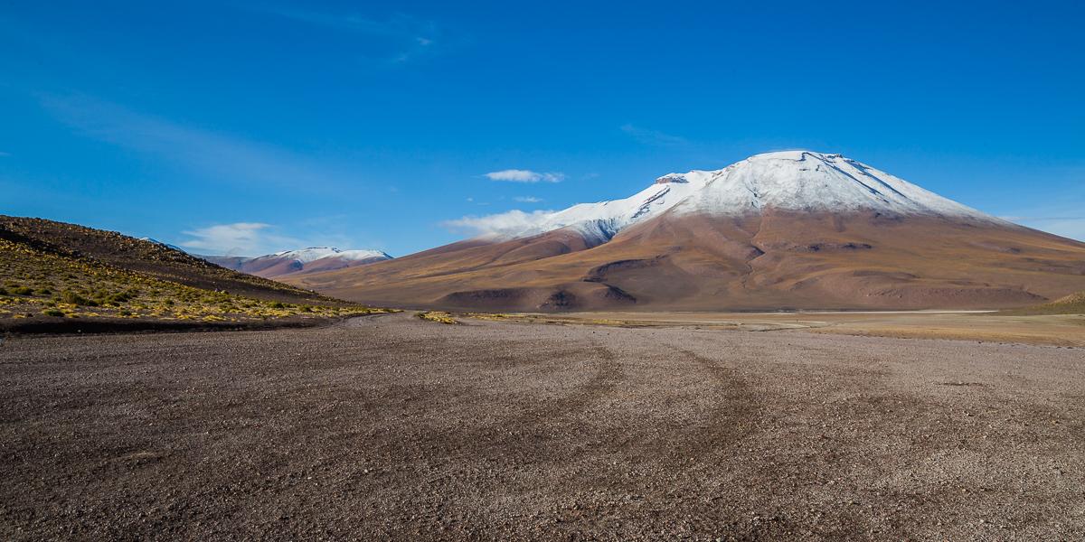laguna-honda-road-landscape-bolivia-national-park-eduardo-avaroa-path-view-photographic-adventure-travel.jpg