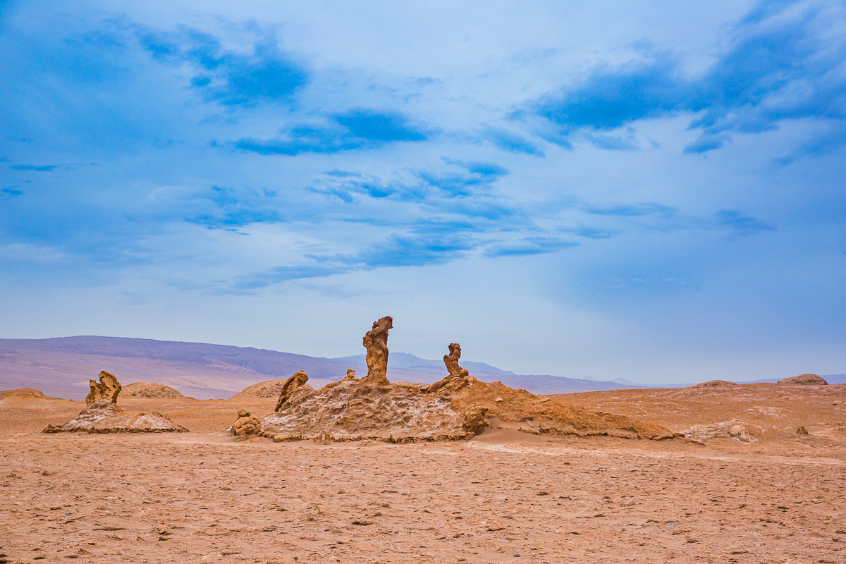 atacama-desert-chile-three-sisters-stone-formation-rock-attractions-chile.jpg