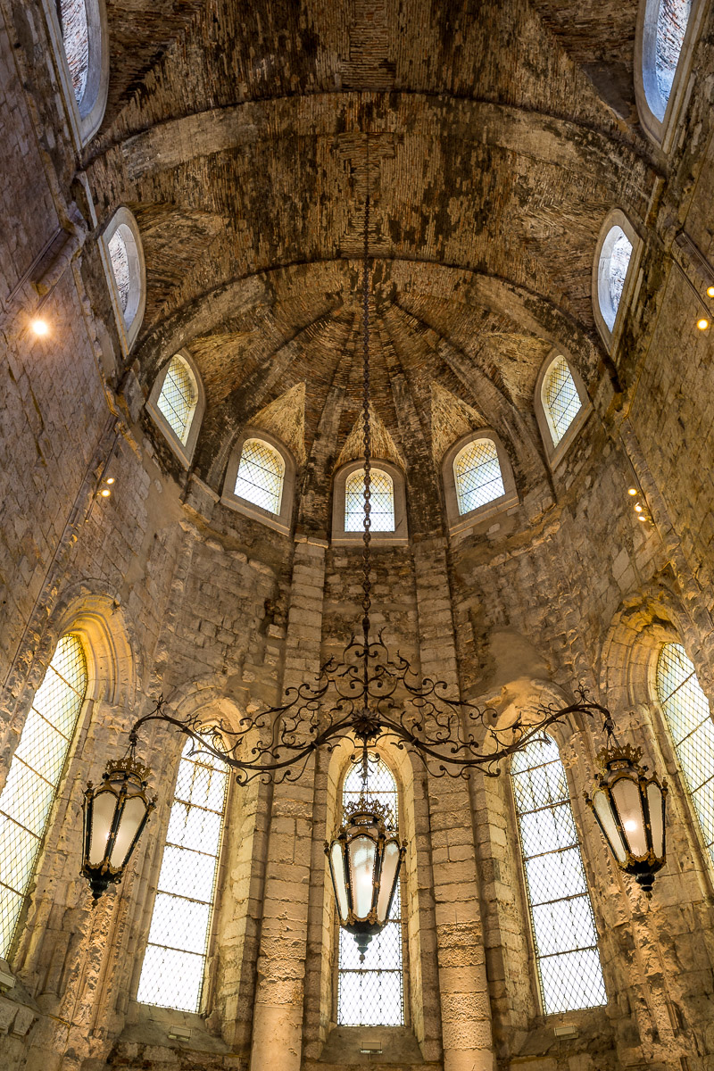 indoors-museum-inside-ceiling-carmo-convent-lisboa-lisbon-portugal-ruins-attraction-travel.jpg
