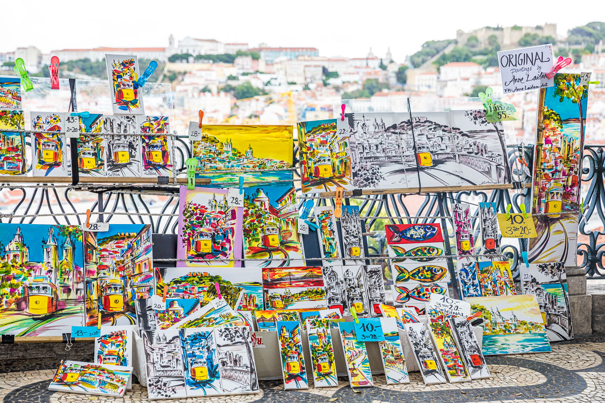 travel-photography-streets-lisbon-lisboa-portugal-europe-paintings-miradouro.jpg