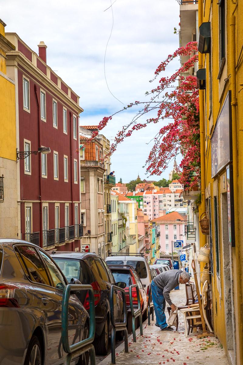 street-lisbon-portugal-chair-cleaning-store-photography-travel-europe-lisboa.jpg