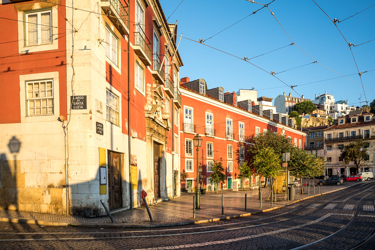 morning-light-portugal-lisbon-lisboa-miradouro-santa-luzia-tram-lines-public-transport.jpg