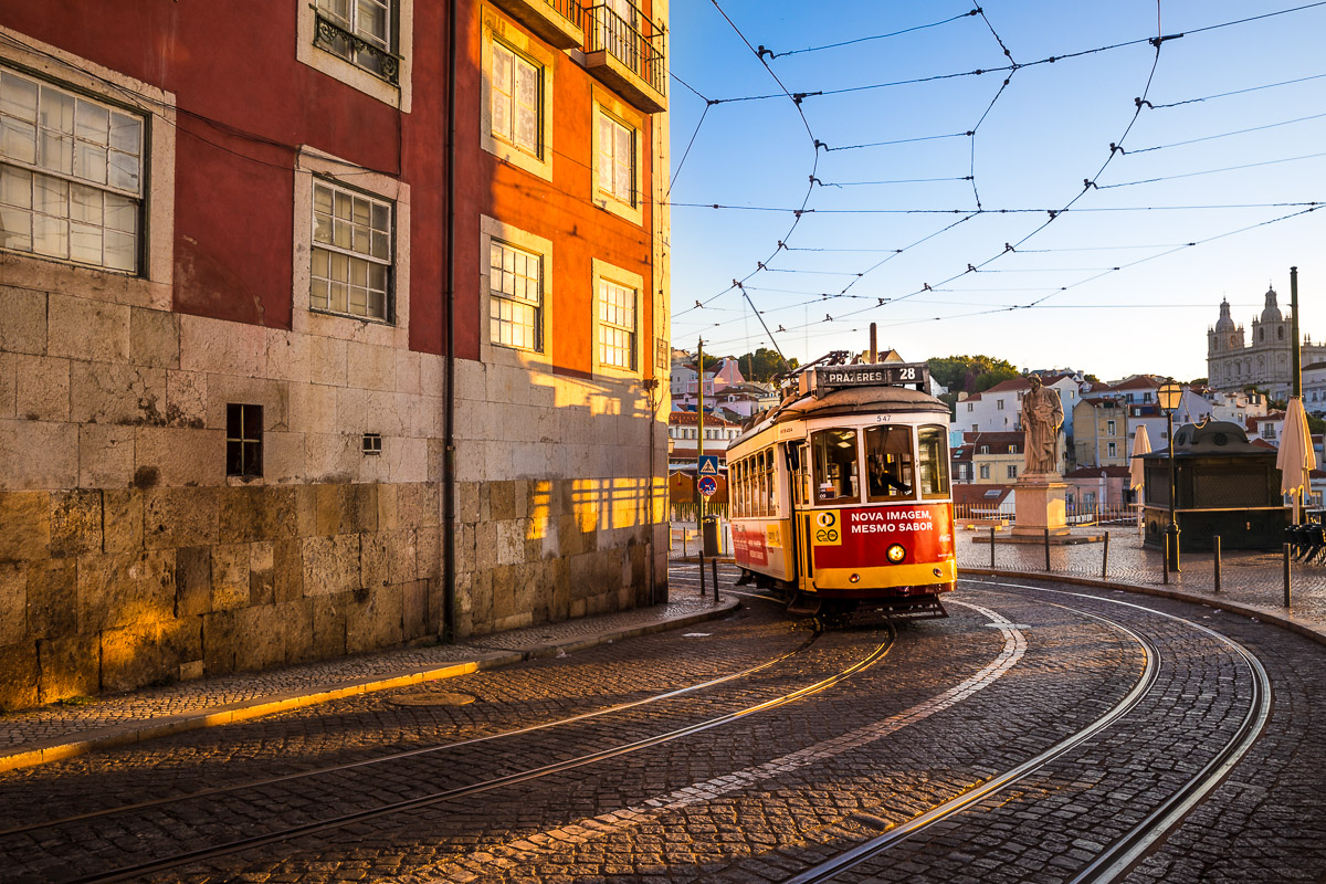 lisbon-miradoro-santa-luzia-tram-transport-lisboa-portugal-sunrise-morning-light-public-transport.jpg