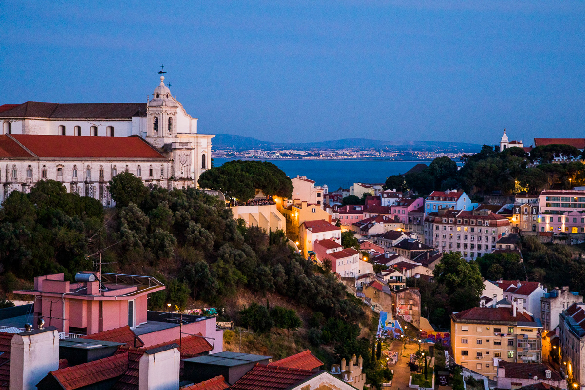 miradouro-nossa-senhora-do-monte-blue-hour-light-photography-lisbon-lisboa-landscape-portugal.jpg