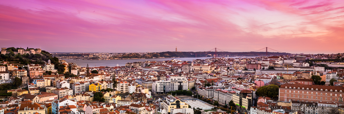 miradouro-nossa-senhora-do-monte-sunset-pink-sky-lisboa-lisbon-sunsets-portugal-photography-best-spots-view-panorama.jpg