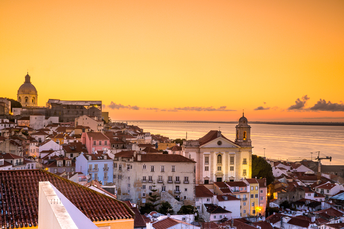 miradouro-de-santa-luzia-lisbon-portugal-sunrise-yellow-light-portugal-spots-locations-photography.jpg