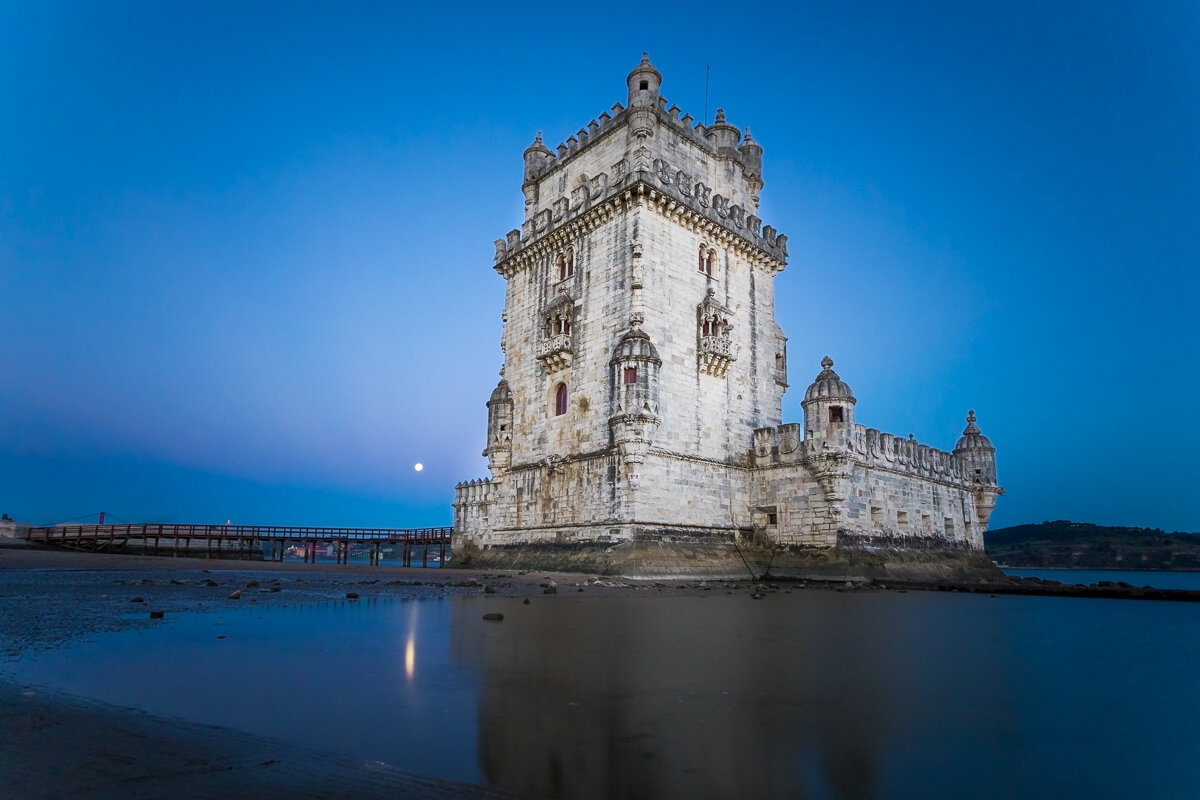 lisbon-portugal-belem-tower-torre-evening-dusk-light-blue-hour-photography-trip-tour-travel-europe.jpg
