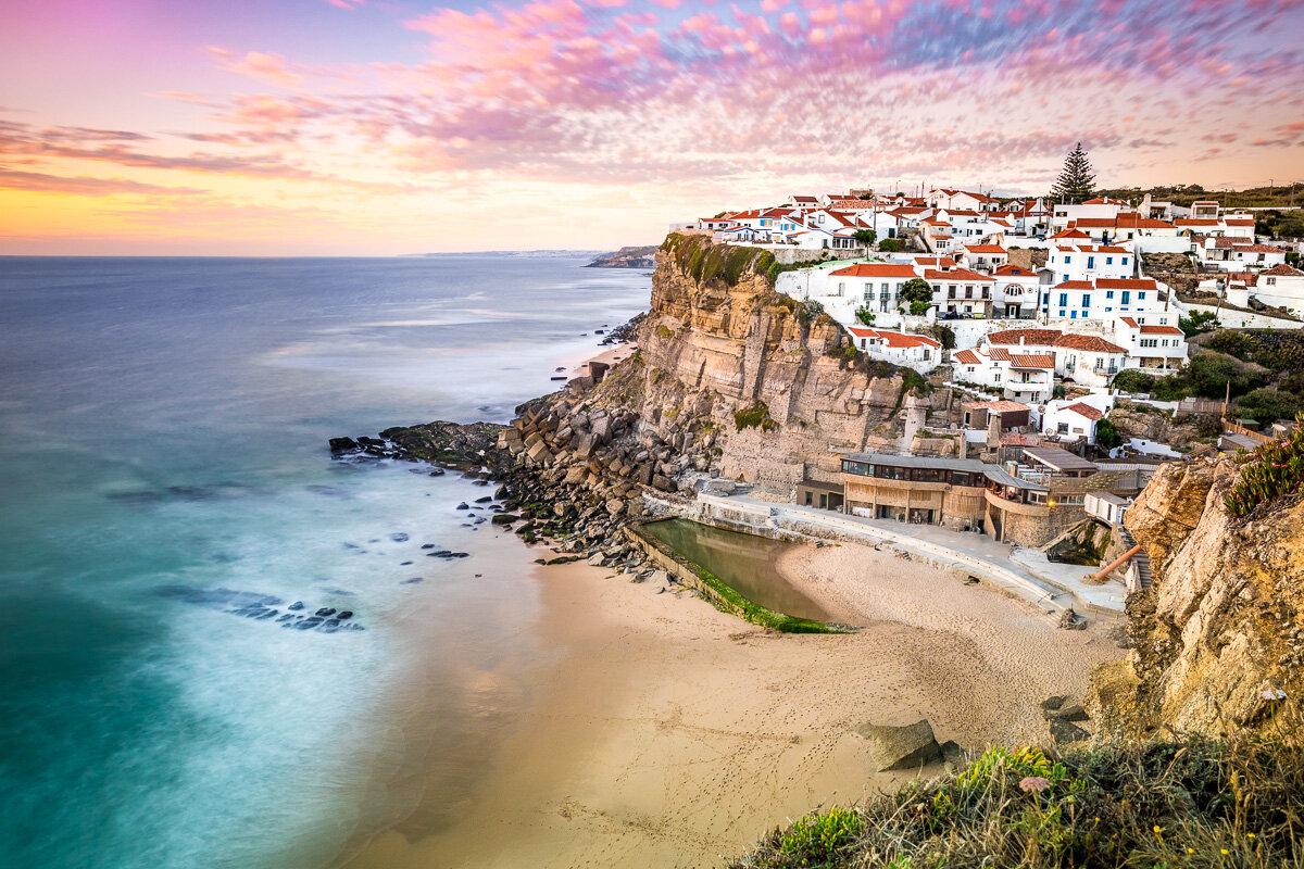 ocean-seaside-village-town-azenhas-do-mar-sunset-travel-photography-trip-amalia-bastos-roadtrip.jpg