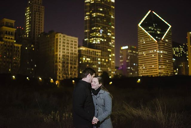 These two are getting married today and I can't wait! A love of architecture makes for some fun photos! . . . . #chicagoengagement #chicagoatnight #chicagoskyline #engagementinspiration #lauriegarden #skyline #engagementphotographer