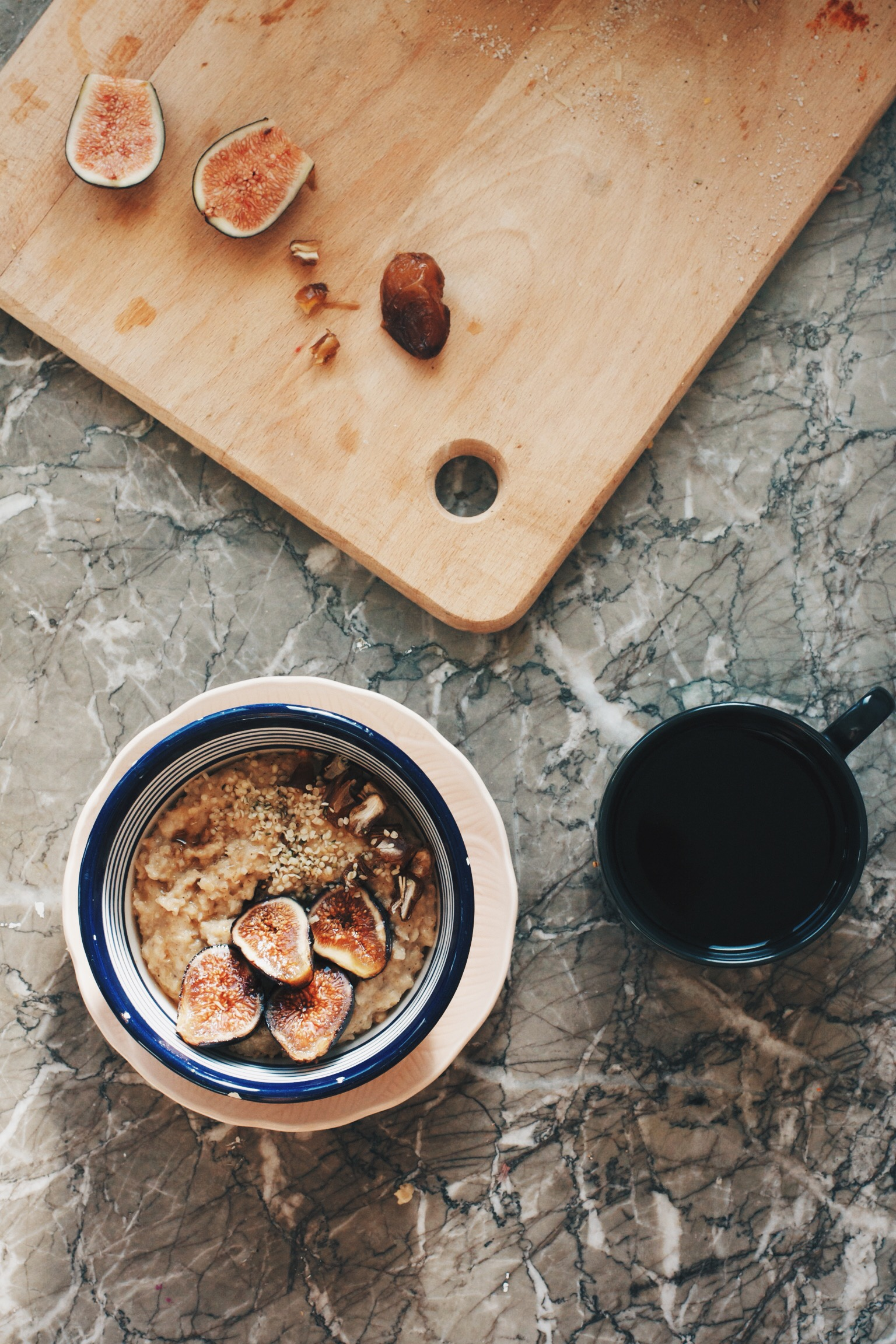 Moroccan Summer Oatmeal- orange blossom water, honey, cinnamon, dates and fresh figs spice up your normal morning routine | Ruby Josephine Blog