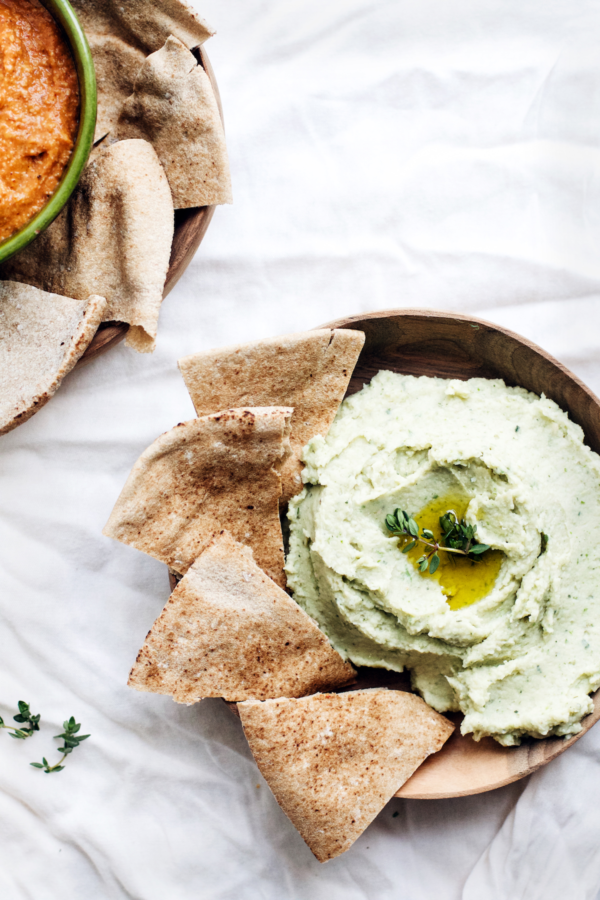 Lemony Garlic Herb White Bean Dip from Pretty Simple Cooking by A Couple Cooks   Ruby Josephine #vegan #prettysimplecooking