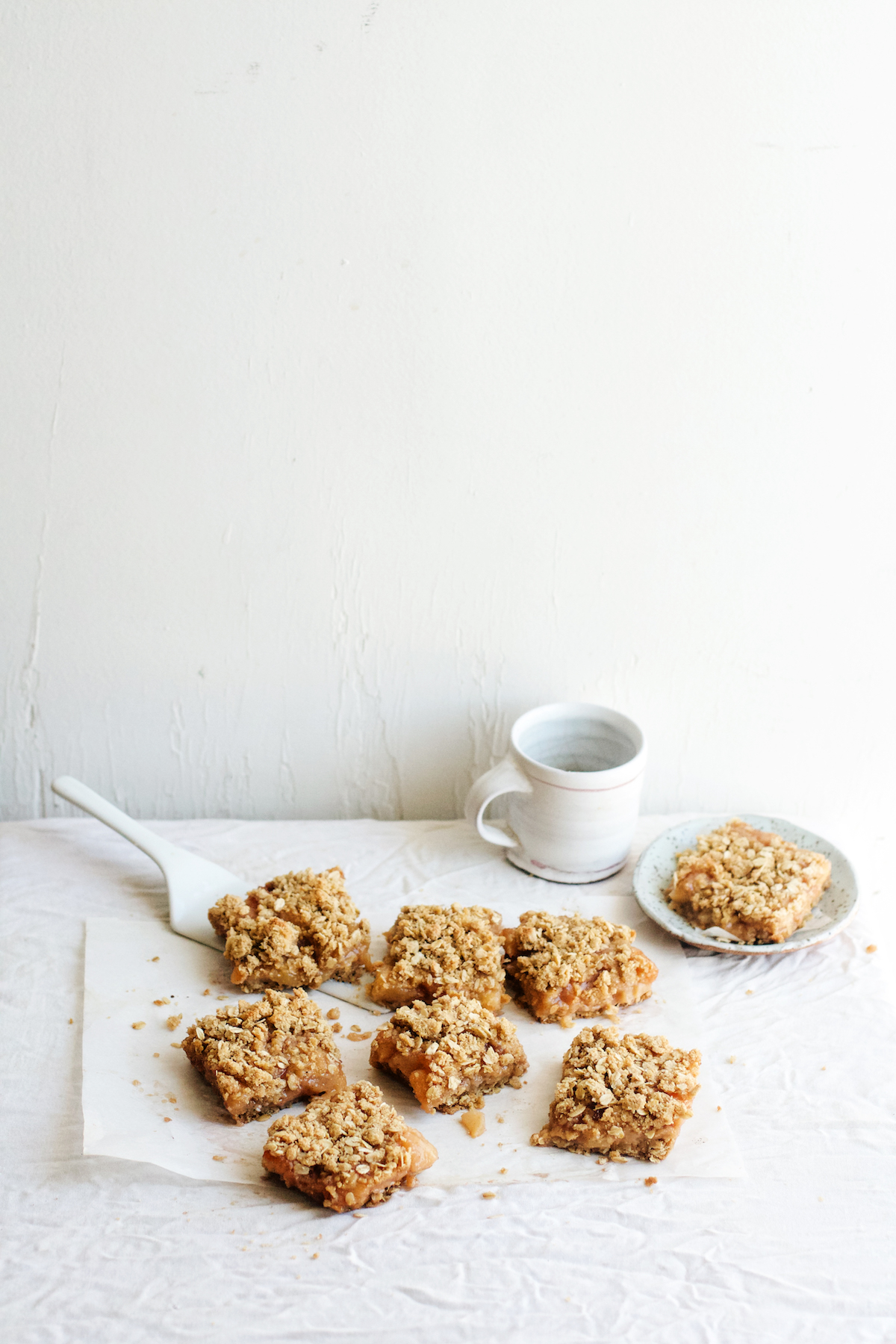 Caramelized Peach + Orange Blossom Oat Crumble Bars | Ruby Josephine