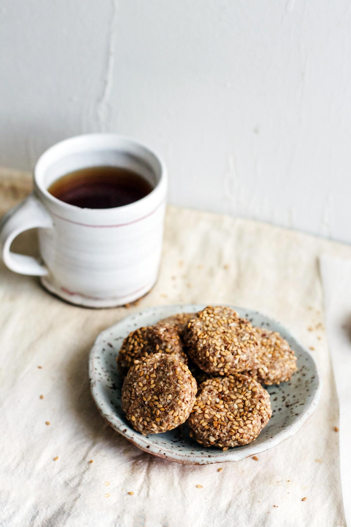 Spiced Sesame Date Cookies {refined sugar-free, gluten-free, vegan} | Ruby Josephine