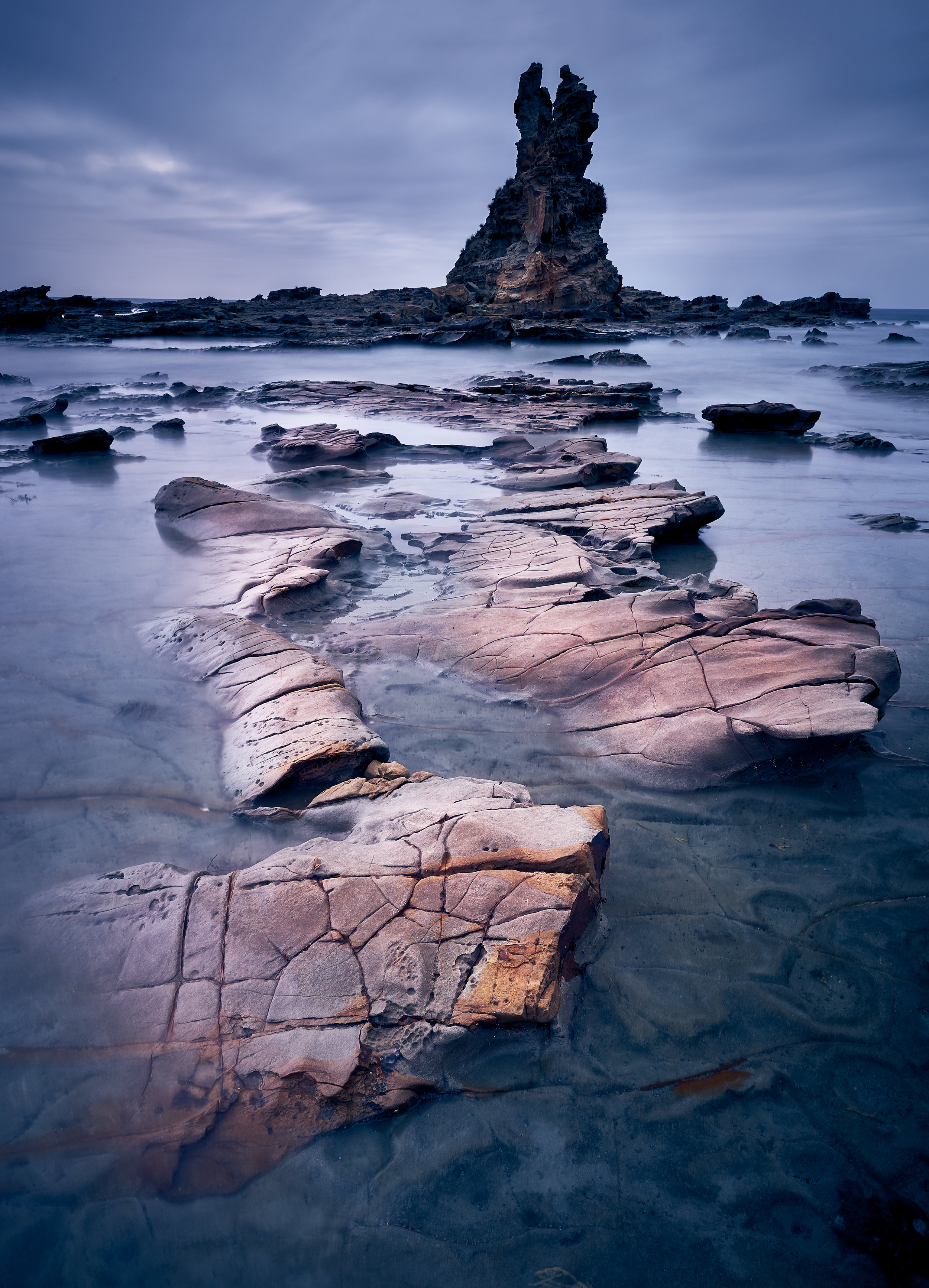 The Hidden Path to Black Eagle Rock |  Sometimes the world opens up and reveals a secret. It felt exactly so as I watched the ocean give way to these eroded features, revealing a secret path to the black rock at the edge of the ocean.