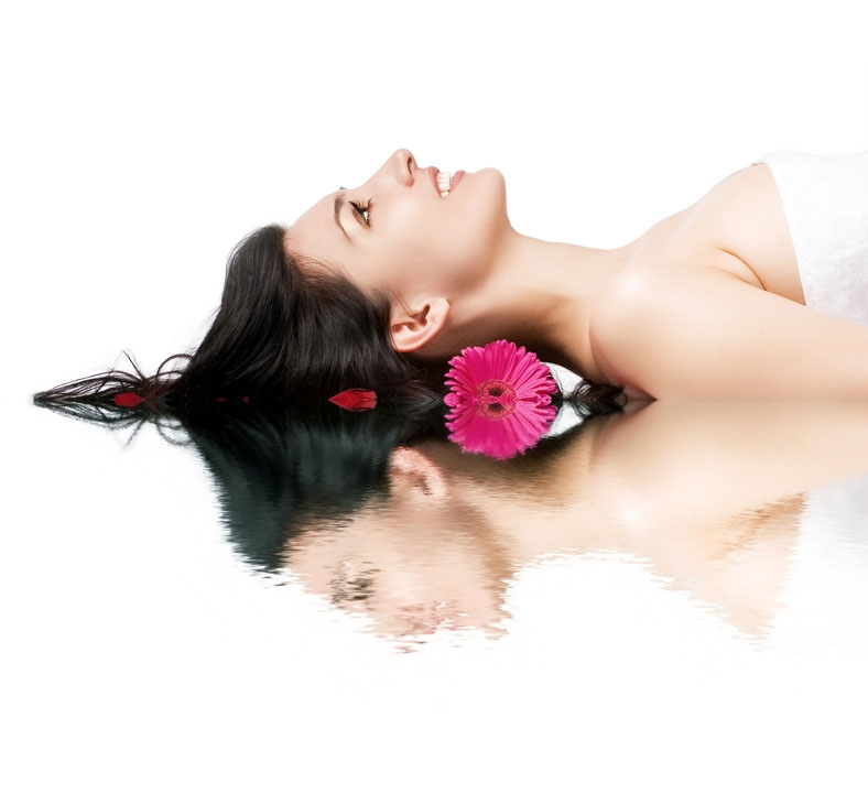 5 Star Blissful Spa Ritual £70 70 mins - This treatment includes a back scrub, a hot stone massage, a radiance boosting facial, a scalp massage and a reflexology foot massage.