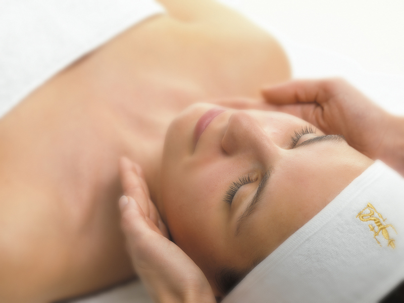 Sothys Seasons Indulgence 45 minutes - A treatment that is specifically created to target the skins needs at this particular time of year. Using natural ingredients to nourish and hydrate the skin be it Spring/Summer or Autumn Winter this facial is extremely effective.£50