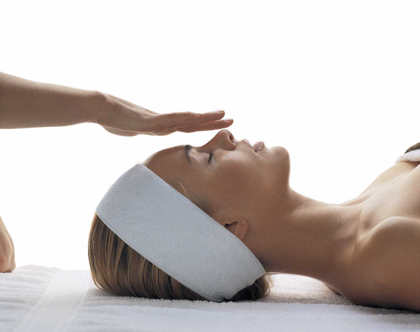 GTi Indian Head Massage £125 - This course covers the technique for upper back, shoulder, upper arm, neck, scalp and face massage. It also includes the theory behind Indian Head Massage. It includes all the necessary anatomy & physiology, plus reception, consultation, aftercare guidance and contra-indications to treatment.