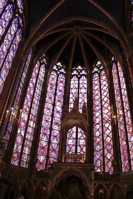 The magnificent windows of Sainte-Chapelle, chapel of the Kings of France until the 14th century.