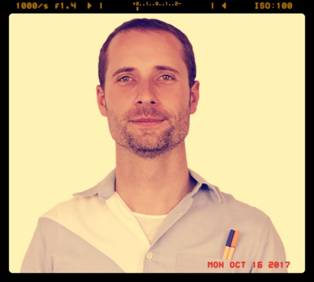Dirk JehmlichManaging Director, diffferent - STRATEGIC SURPRISE