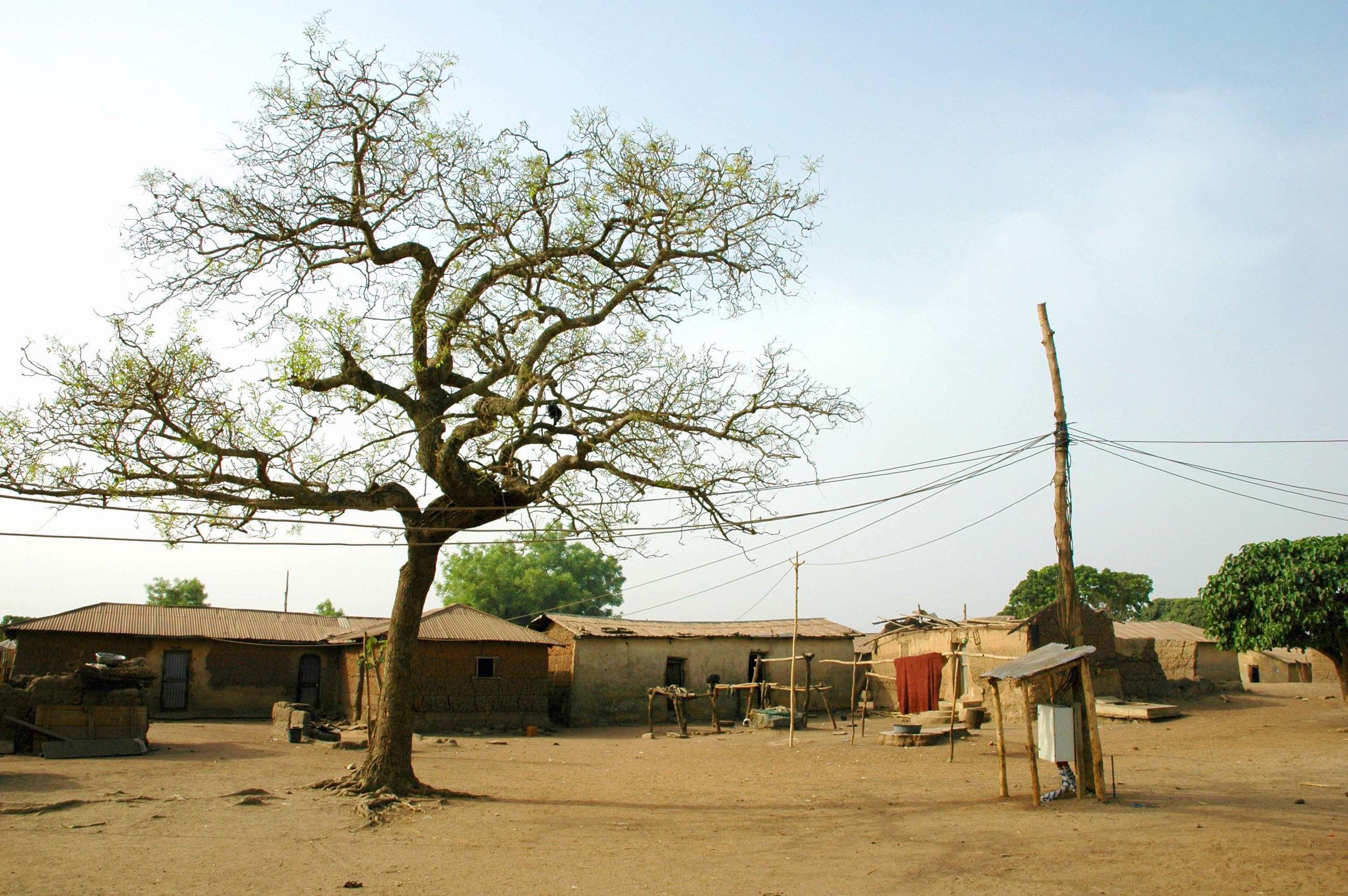 Notre réseau électrique fournit de l'électricité aux habitants d'Igbérè depuis septembre 2015