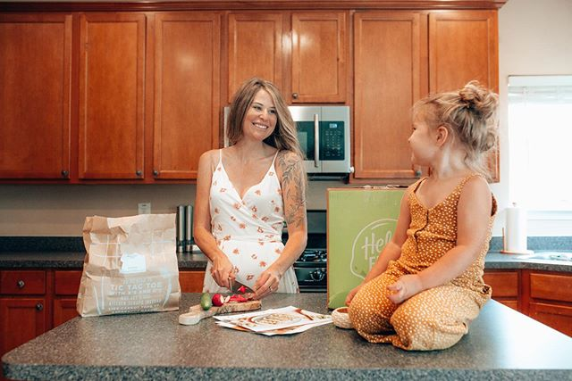 Isla's new favorite hobby is helping Mommy prepare dishes in the kitchen! @HelloFresh makes it so easy since the recipes only take 30 minutes, and come with step-by-step instructions and pre-measured ingredients.  As you know, HelloFresh has an ever changing men,  I always save our recipe cards so we can remake our favorite dishes again and again! Use my code 'VANNUS80' to get $80 off your first month of HelloFresh.  Click link in bio. #hellofreshpics #freshfriends #getcooking #hellofreshpartner