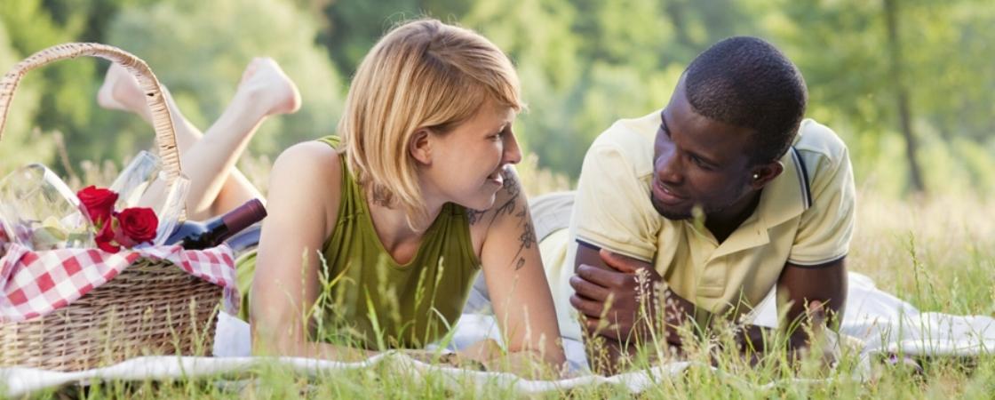 Interracial-dating.jpg