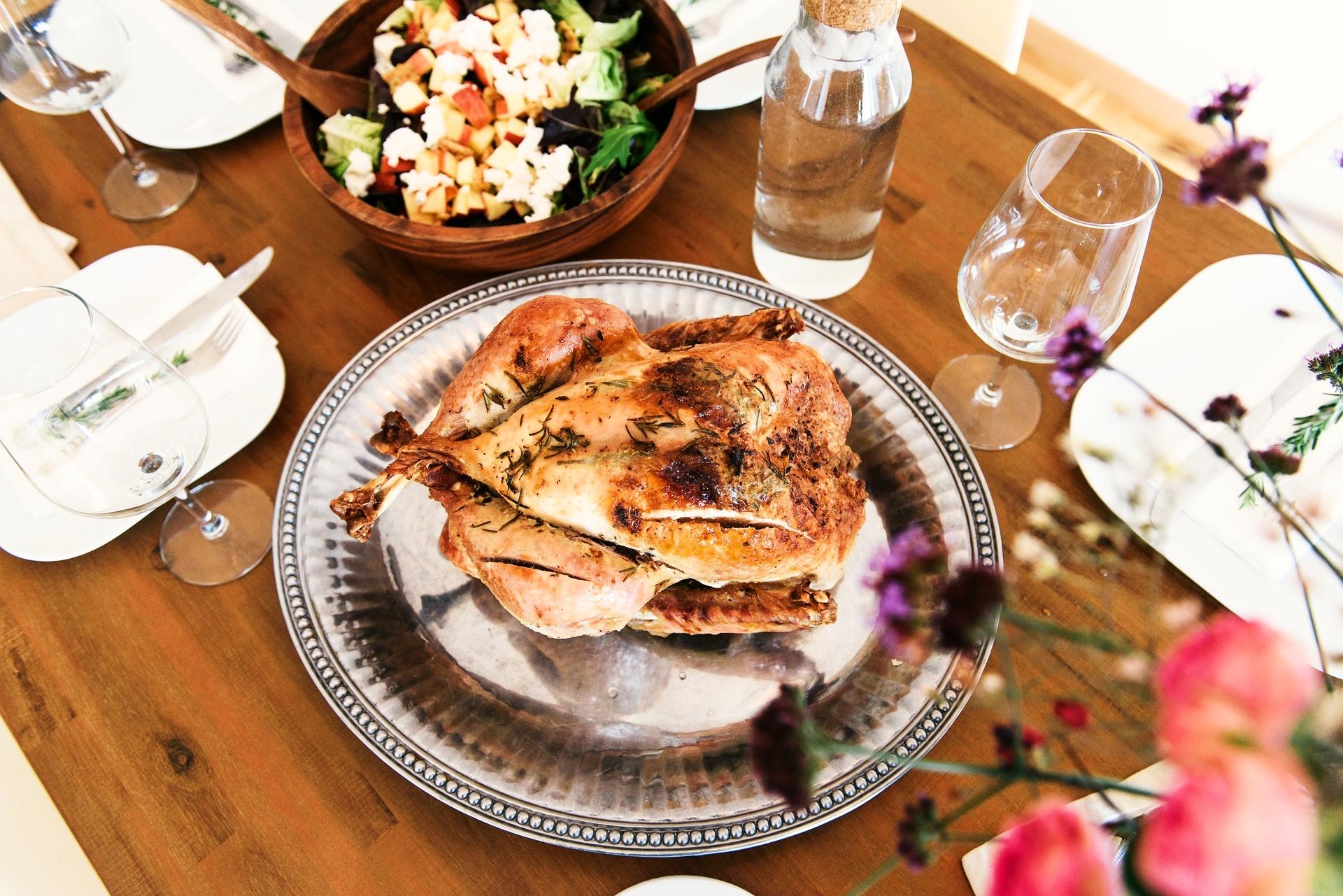 dinner-1246287_1920.jpg
