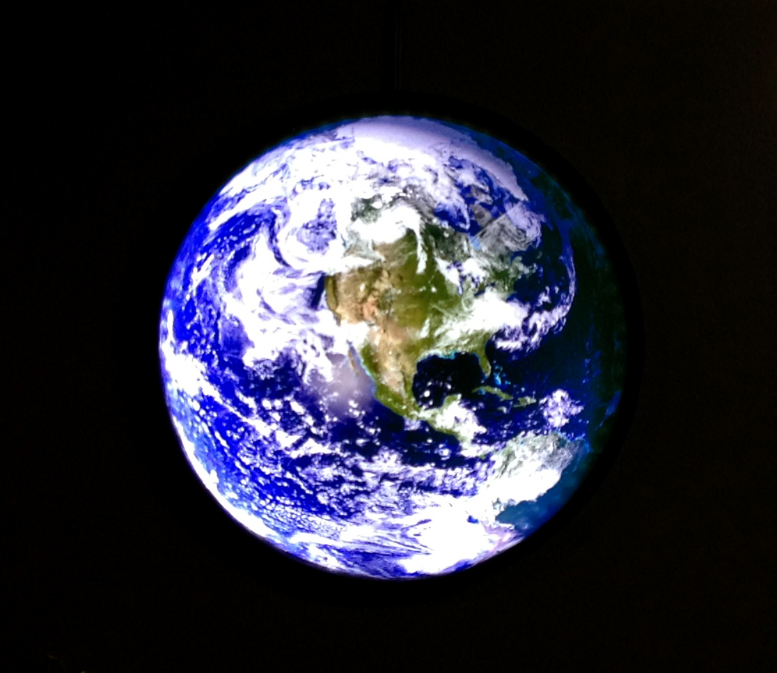 Earth_round_LED_crp.jpg