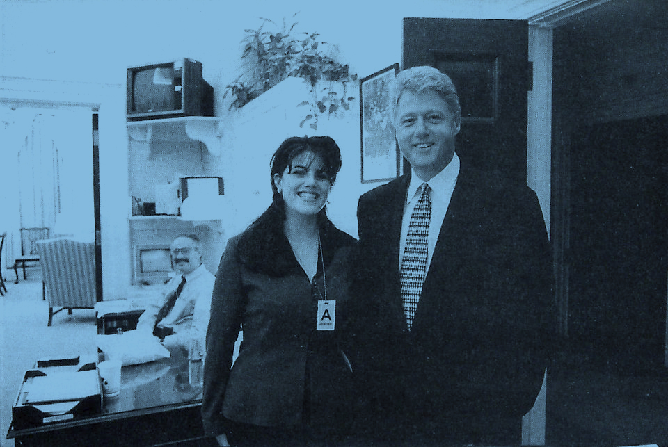 The official White House photo taken on November 17, 1995, two days after the day when Monica Lewinsky said her sexual relationship with President Bill Clinton began. (Photo: AP)