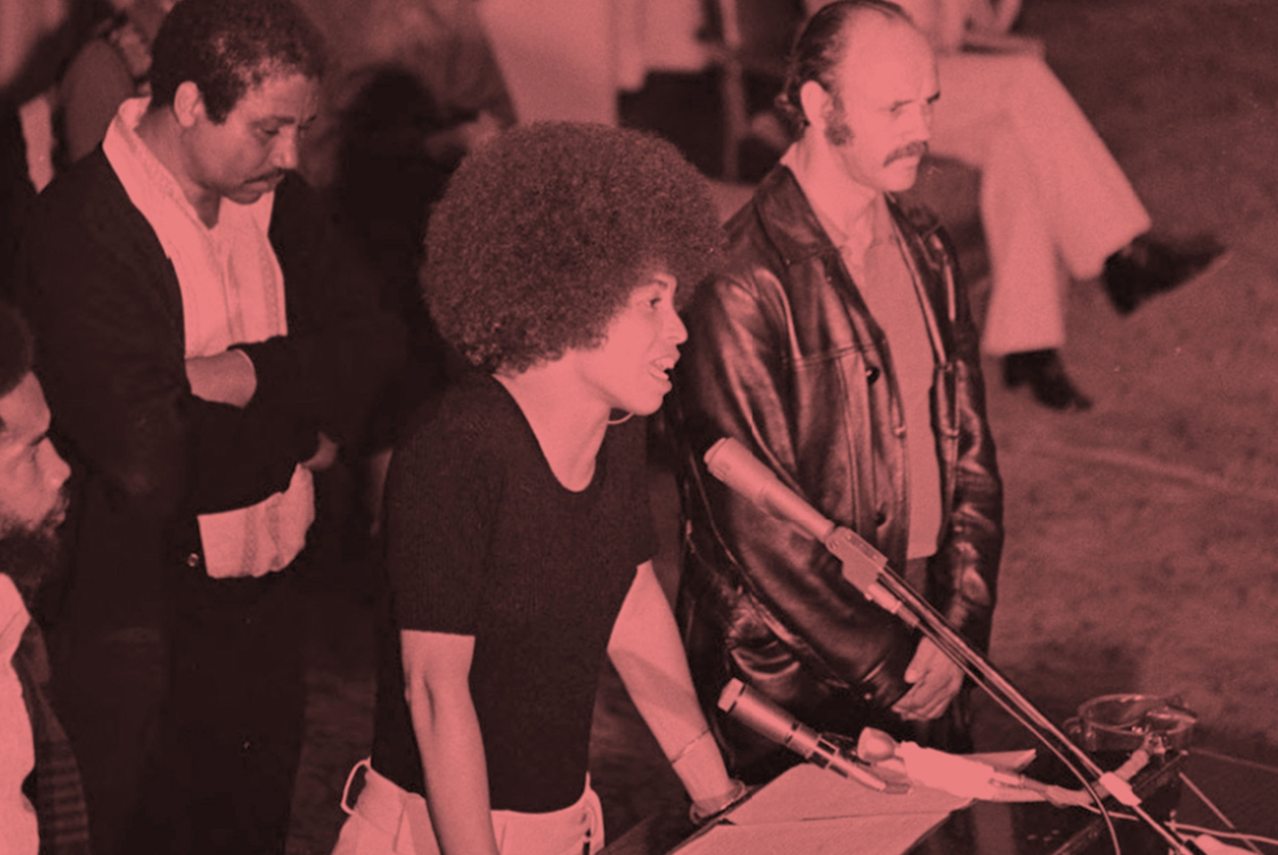 READ 'THE GATES TO FREEDOM'   Black activist, Angela Davis , was acquitted after a 13 week trial and gave this powerful speech on her release.