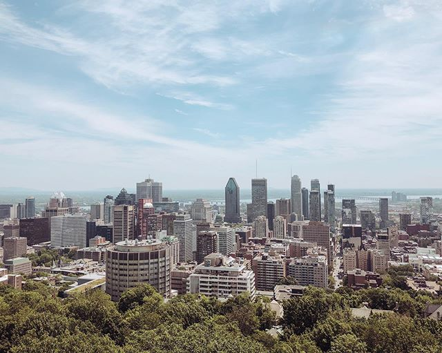 Every time I leave this beautiful city my heart breaks a little bit. Montreal, you're amazing ♥️ ⠀⠀⠀⠀⠀⠀⠀⠀⠀ ⠀⠀⠀⠀⠀⠀⠀⠀⠀ ⠀⠀⠀⠀⠀⠀⠀⠀⠀ Leaving my family & friends never gets easier, but on the bright side... I don't need to do Montreal winters anymore #silverlining ⠀⠀⠀⠀⠀⠀⠀⠀⠀ ⠀⠀⠀⠀⠀⠀⠀⠀⠀ ⠀⠀⠀⠀⠀⠀⠀⠀⠀ ⠀⠀⠀⠀⠀⠀⠀⠀ I'll miss you Montreal, but I'll especially miss all my friends and family 🇨🇦♥️ ⠀⠀⠀⠀⠀⠀⠀⠀⠀ ⠀⠀⠀⠀⠀⠀⠀⠀⠀ ⠀⠀⠀⠀⠀⠀⠀⠀⠀ ⠀⠀⠀⠀⠀⠀⠀⠀⠀ . . . #montreal #lifeabroad #montrealskyline #montroyal #montreality #514 #514shots #canada_gram