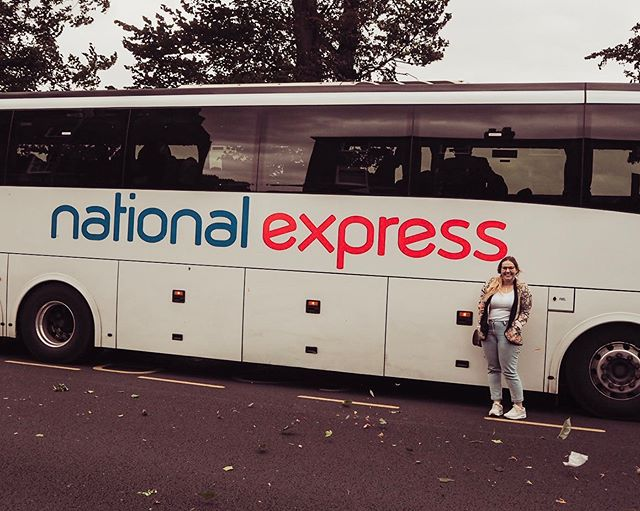 AD | There's nothing quite like a day trip to make you feel like you're on vacation! Getting around the UK is easy peasy with @NationalExpress! On Saturday, Rob and I had the pleasure of travelling to Cambridge for a cheeky little day trip with National Express. The journey was super comfortable (thank you air conditioning and fancy leather seats) and easy! Can't wait for our next trip! Want more reasons to travel by coach? Check out the link in my bio!  #nationalexpress #travelbycoach #coachtrip #daytripper #travelengland